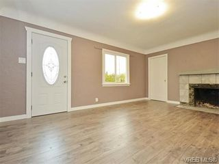 Photo 3: 94 Crease Ave in VICTORIA: SW Gateway House for sale (Saanich West)  : MLS®# 743968