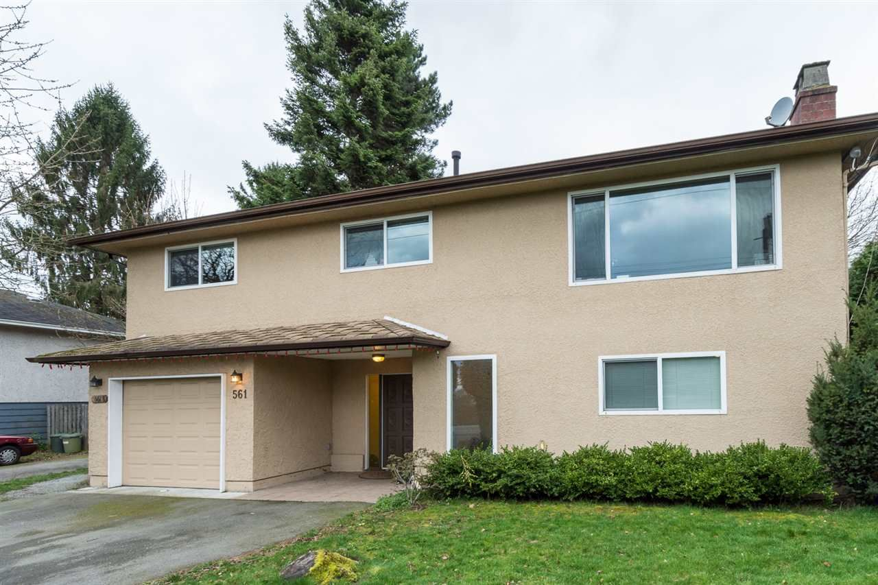 "Main Photo: 561 56TH Street in Delta: Pebble Hill House for sale in ""PEBBLE HILL"" (Tsawwassen)  : MLS®# R2045239"