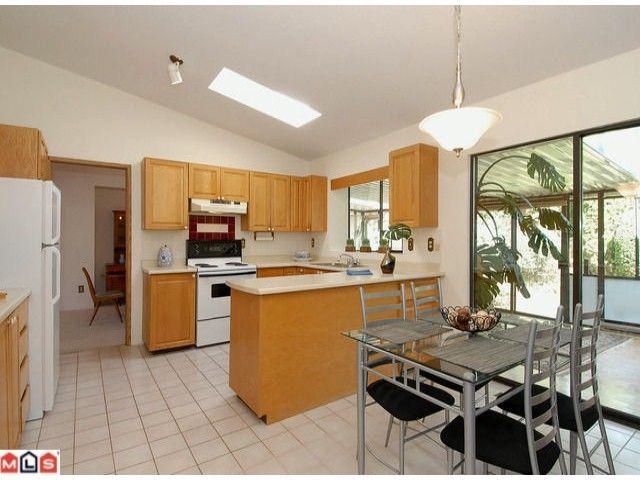 "Photo 5: Photos: 12565 20TH Avenue in Surrey: Crescent Bch Ocean Pk. House for sale in ""OCEAN CLIFF ESTATES"" (South Surrey White Rock)  : MLS®# F1107875"
