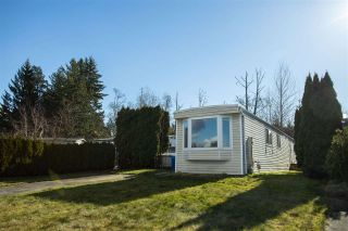 Photo 1: 33876 GILMOUR Drive in Abbotsford: Central Abbotsford Manufactured Home for sale : MLS®# R2580363