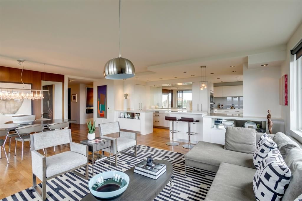 Main Photo: 706/707 3316 Rideau Place SW in Calgary: Rideau Park Apartment for sale : MLS®# A1137187