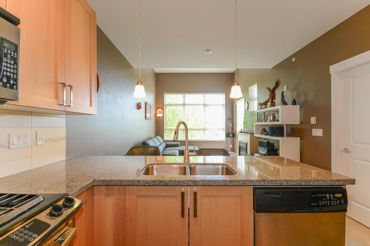 """Photo 6: Photos: 405 15988 26 Avenue in Surrey: Grandview Surrey Condo for sale in """"THE MORGAN"""" (South Surrey White Rock)  : MLS®# R2276141"""