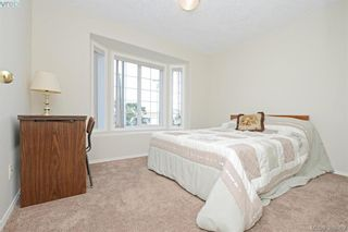 Photo 13: 24 Eagle Lane in VICTORIA: VR Glentana Manufactured Home for sale (View Royal)  : MLS®# 775804