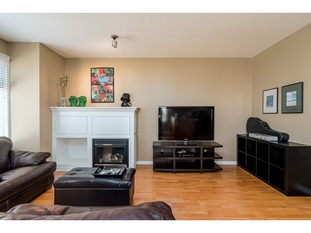 """Photo 7: Photos: 5 6588 188 Street in Surrey: Cloverdale BC Townhouse for sale in """"HILLCREST PLACE"""" (Cloverdale)  : MLS®# R2532394"""