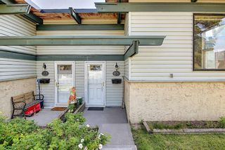 Photo 2: 13A 333 Braxton Place SW in Calgary: Braeside Semi Detached for sale : MLS®# A1129148