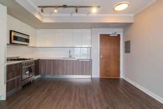 """Photo 6: 3008 4900 LENNOX Lane in Burnaby: Metrotown Condo for sale in """"The Park"""" (Burnaby South)  : MLS®# R2625122"""