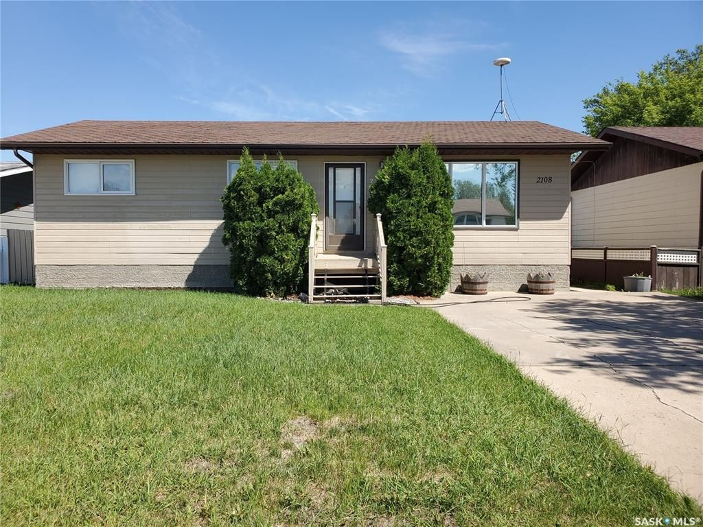 Main Photo: 2108 100A Street in Tisdale: Residential for sale : MLS®# SK854675