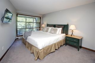 """Photo 4: 422 4800 SPEARHEAD Drive in Whistler: Benchlands Condo for sale in """"ASPENS"""" : MLS®# R2556566"""