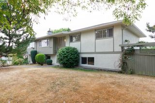Photo 1: 2048 Melville Dr in SAANICHTON: Si Sidney North-East House for sale (Sidney)  : MLS®# 772514