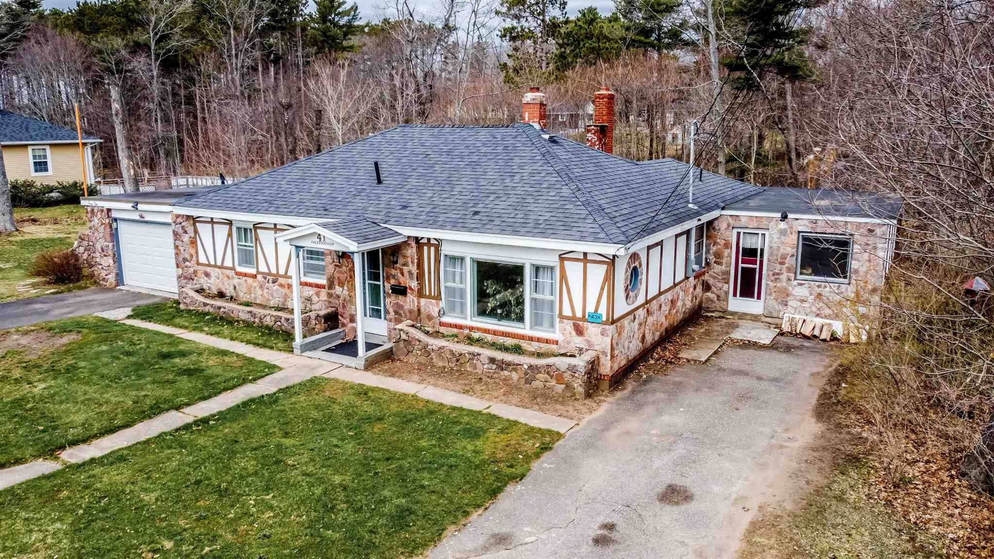 Main Photo: 41 Woodworth Road in Kentville: 404-Kings County Residential for sale (Annapolis Valley)  : MLS®# 202108532