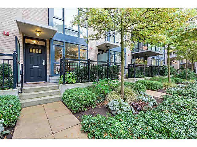 Main Photo: TH4 1640 W 7TH AVENUE in : Fairview VW Townhouse for sale : MLS®# V1091063