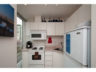 """Photo 9: 410 1188 RICHARDS Street in Vancouver: Yaletown Condo for sale in """"Park Plaza"""" (Vancouver West)  : MLS®# V1055368"""