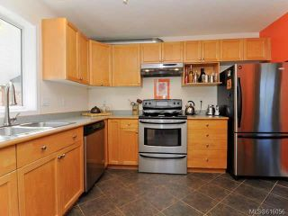 Photo 5: 3314 Ninth St in CUMBERLAND: CV Cumberland House for sale (Comox Valley)  : MLS®# 616056