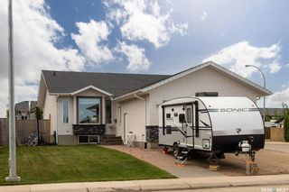 Photo 2: 900 4th Street South in Martensville: Residential for sale : MLS®# SK858827