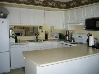 Photo 5: #3, 13925 70 Avenue, Surrey: Condo for sale (East Newton)  : MLS®# 2406468