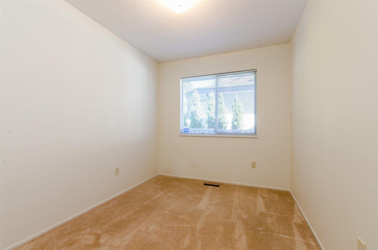Photo 13: Photos: 14206 20 Avenue in Surrey: Sunnyside Park Surrey House for sale (South Surrey White Rock)  : MLS®# R2116136