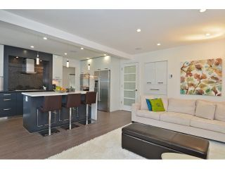 """Photo 9: 598 W 24TH Avenue in Vancouver: Cambie House for sale in """"DOUGLAS PARK"""" (Vancouver West)  : MLS®# V1125988"""