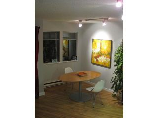 """Photo 2: 4 251 W 14TH Street in North Vancouver: Central Lonsdale Townhouse for sale in """"THE TIMBERS"""" : MLS®# V877713"""