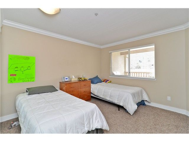 """Photo 6: Photos: 210 19131 FORD Road in Pitt Meadows: Central Meadows Condo for sale in """"WOODFORD MANOR"""" : MLS®# V996523"""