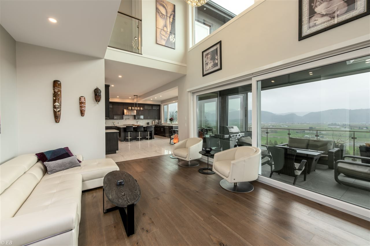 Photo 7: Photos: 36498 FLORENCE DRIVE in Abbotsford: Abbotsford East House for sale : MLS®# R2550580