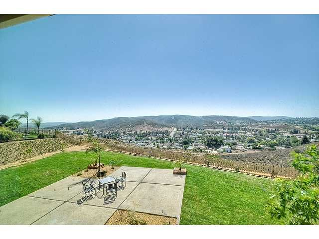 Photo 12: Photos: POWAY House for sale : 4 bedrooms : 13770 Celestial Road