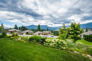 Photo 10: 31 2990 Northeast 20 Street in Salmon Arm: The Uplands House for sale (NE Salmon Arm)  : MLS®# 10102161