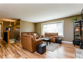 Photo 4: 20285 CHIGWELL Street in Maple Ridge: Southwest Maple Ridge House for sale : MLS®# R2193938