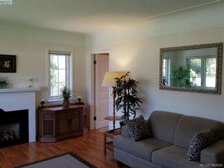 Photo 2: 2063 Kings Rd in VICTORIA: OB Henderson House for sale (Oak Bay)  : MLS®# 785216