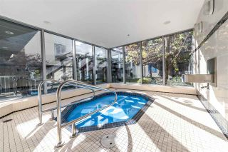 """Photo 3: 705 1001 HOMER Street in Vancouver: Yaletown Condo for sale in """"BENTLEY"""" (Vancouver West)  : MLS®# R2312104"""