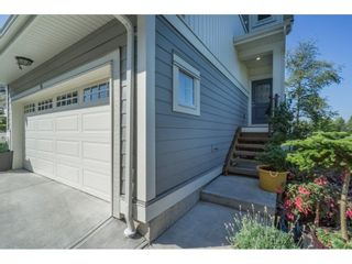 "Photo 2: 10 7198 179 Street in Surrey: Cloverdale BC Townhouse for sale in ""WALNUT RIDGE"" (Cloverdale)  : MLS®# R2199206"