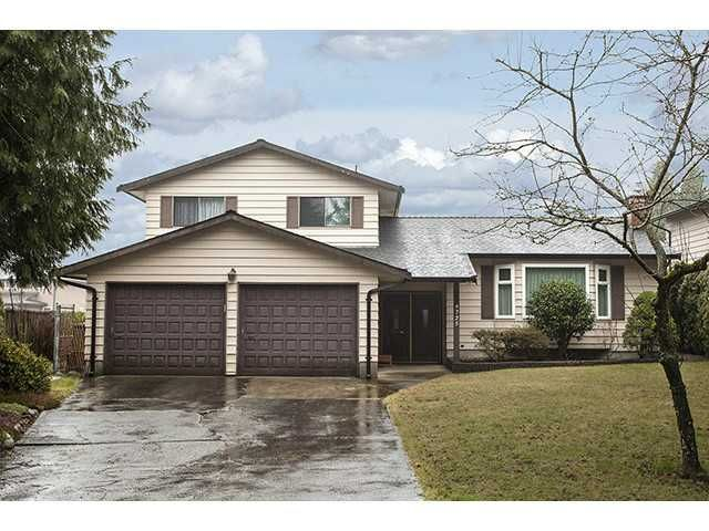 """Photo 1: Photos: 9725 155A Street in Surrey: Guildford House for sale in """"BRIARWOOD"""" (North Surrey)  : MLS®# F1430730"""