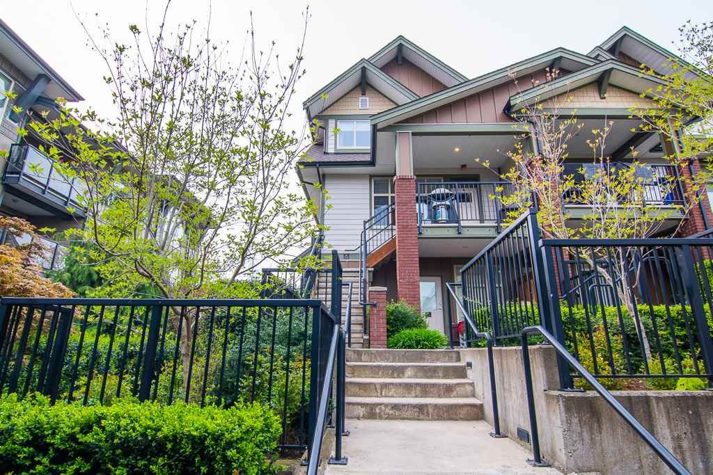 """Main Photo: 201 6706 192 Diversion in Surrey: Clayton Townhouse for sale in """"One92 Townhomes"""" (Cloverdale)  : MLS®# R2362276"""