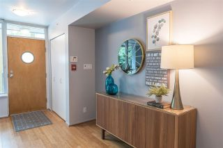 """Photo 2: 1428 W HASTINGS Street in Vancouver: Coal Harbour Townhouse for sale in """"DOCKSIDE"""" (Vancouver West)  : MLS®# R2464469"""