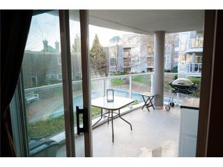 Photo 4: # 212 8450 JELLICOE ST in Vancouver: Fraserview VE Condo for sale (Vancouver East)  : MLS®# V990566