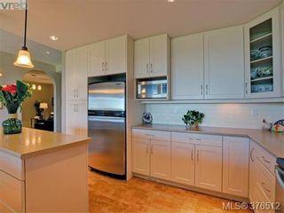 Photo 10: 401 5332 Sayward Hill Cres in VICTORIA: SE Cordova Bay Condo for sale (Saanich East)  : MLS®# 755852