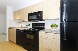 "Photo 4: 314 1503 W 65TH Avenue in Vancouver: S.W. Marine Condo for sale in ""The Soho"" (Vancouver West)  : MLS®# R2203348"