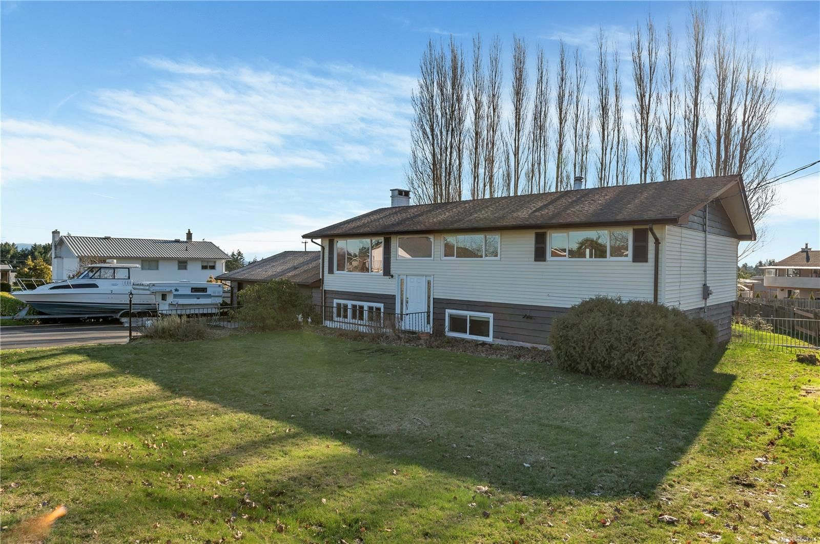 Main Photo: 307 Frances Ave in : CR Campbell River Central House for sale (Campbell River)  : MLS®# 865804
