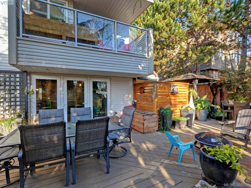 Main Photo: 7 331 Robert St in VICTORIA: VW Victoria West Row/Townhouse for sale (Victoria West)  : MLS®# 775812