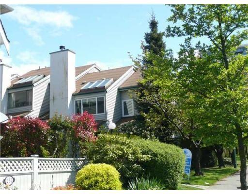 Main Photo: # 28 230 W 13TH ST in North Vancouver: Condo for sale : MLS®# V833782