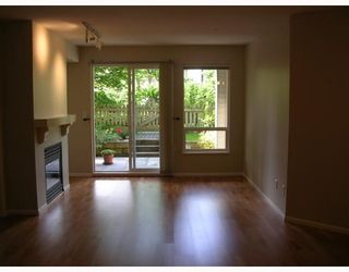 """Photo 2: 155 1100 E 29TH Street in North_Vancouver: Lynn Valley Condo for sale in """"HIGHGATE"""" (North Vancouver)  : MLS®# V660961"""
