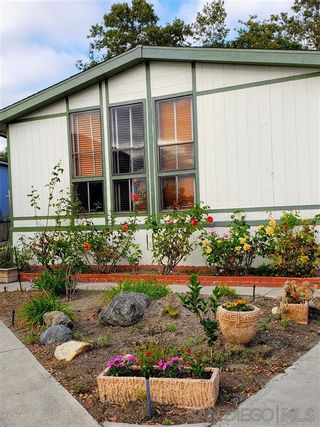 Photo 1: VISTA Manufactured Home for sale : 2 bedrooms : 200 S Emerald Dr #Spc 32