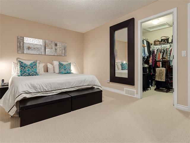 Photo 25: Photos: 40 COUGARSTONE Manor SW in Calgary: Cougar Ridge House for sale : MLS®# C4087798