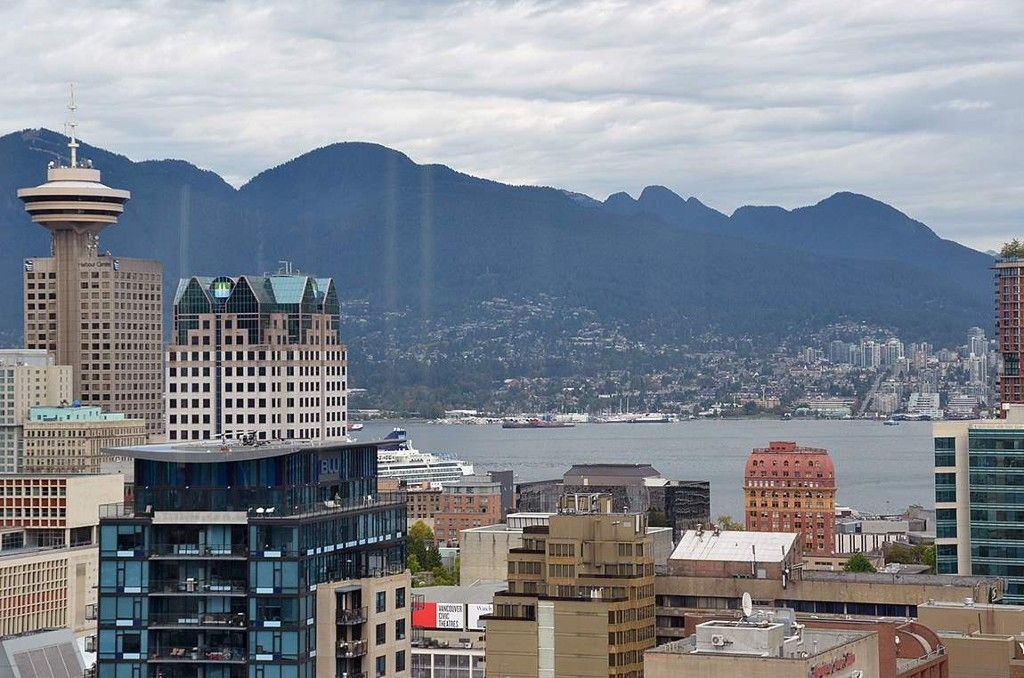 Main Photo: 3503 928 Beatty Street in Vancouver: Yaletown Condo for sale (Vancouver West)  : MLS®# R2212258