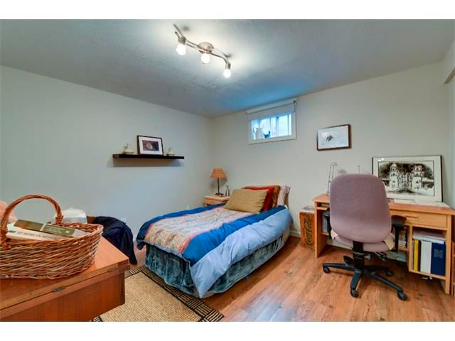 Photo 16: Photos: 5919 THORNTON Road NW in Calgary: Thorncliffe House for sale : MLS®# C4015197
