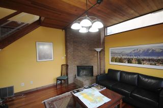 Photo 11: 1311 WALNUT Street in Vancouver: Kitsilano 1/2 Duplex for sale (Vancouver West)  : MLS®# R2561700