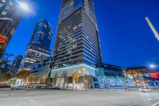 "Photo 40: 4107 1011 W CORDOVA Street in Vancouver: Coal Harbour Condo for sale in ""FAIRMONT PACIFIC RIM"" (Vancouver West)  : MLS®# R2551322"