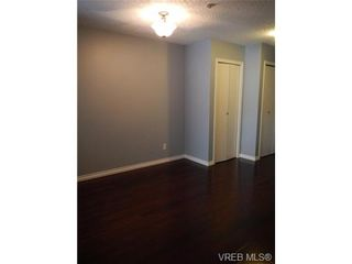 Photo 5: 109 545 Manchester Rd in VICTORIA: Vi Burnside Condo for sale (Victoria)  : MLS®# 672377