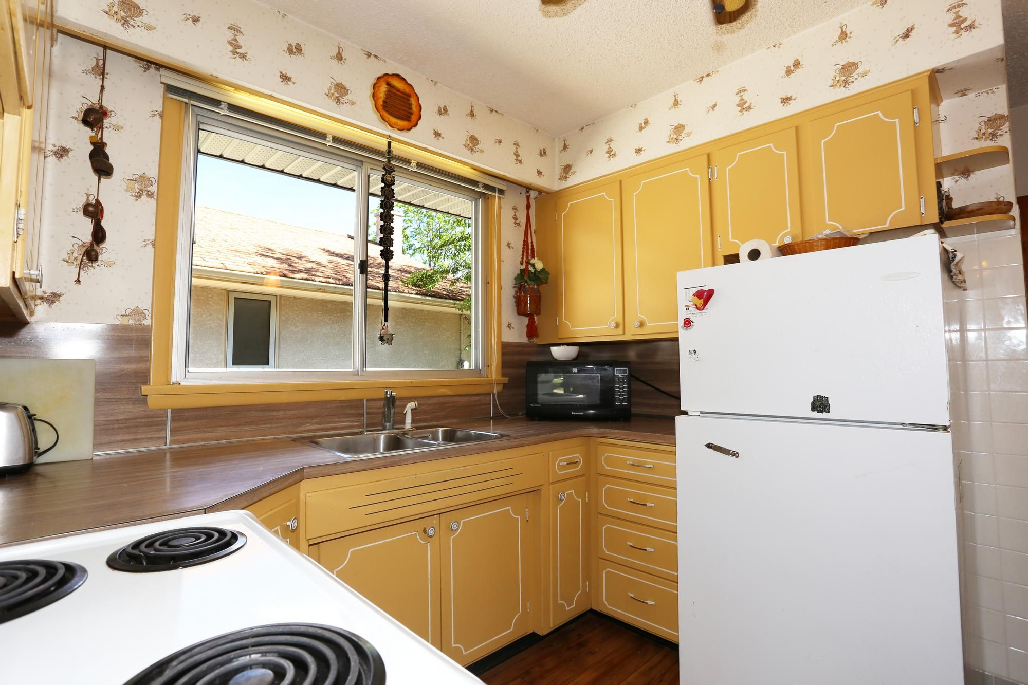 Photo 9: Photos: 1320 Valour Road in Winnipeg: West End Single Family Detached for sale (5C)  : MLS®# 1816744