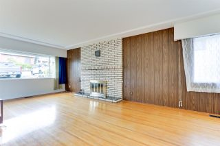 Photo 3: 18 N SEA Avenue in Burnaby: Capitol Hill BN House for sale (Burnaby North)  : MLS®# R2527053