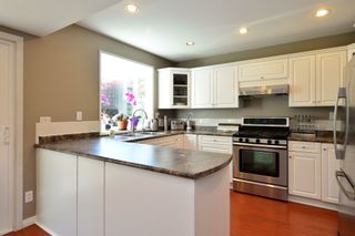 Photo 16: 1933 SOUTHMERE CRESCENT in South Surrey White Rock: Home for sale : MLS®# r2207161